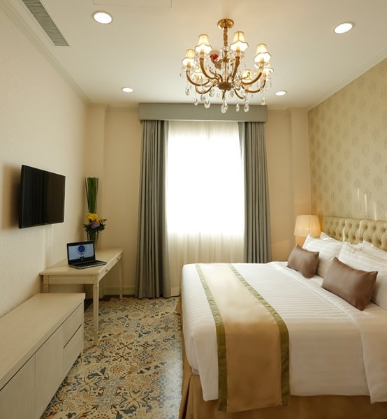 Rizal Park Hotel - The Trafalgar Suite