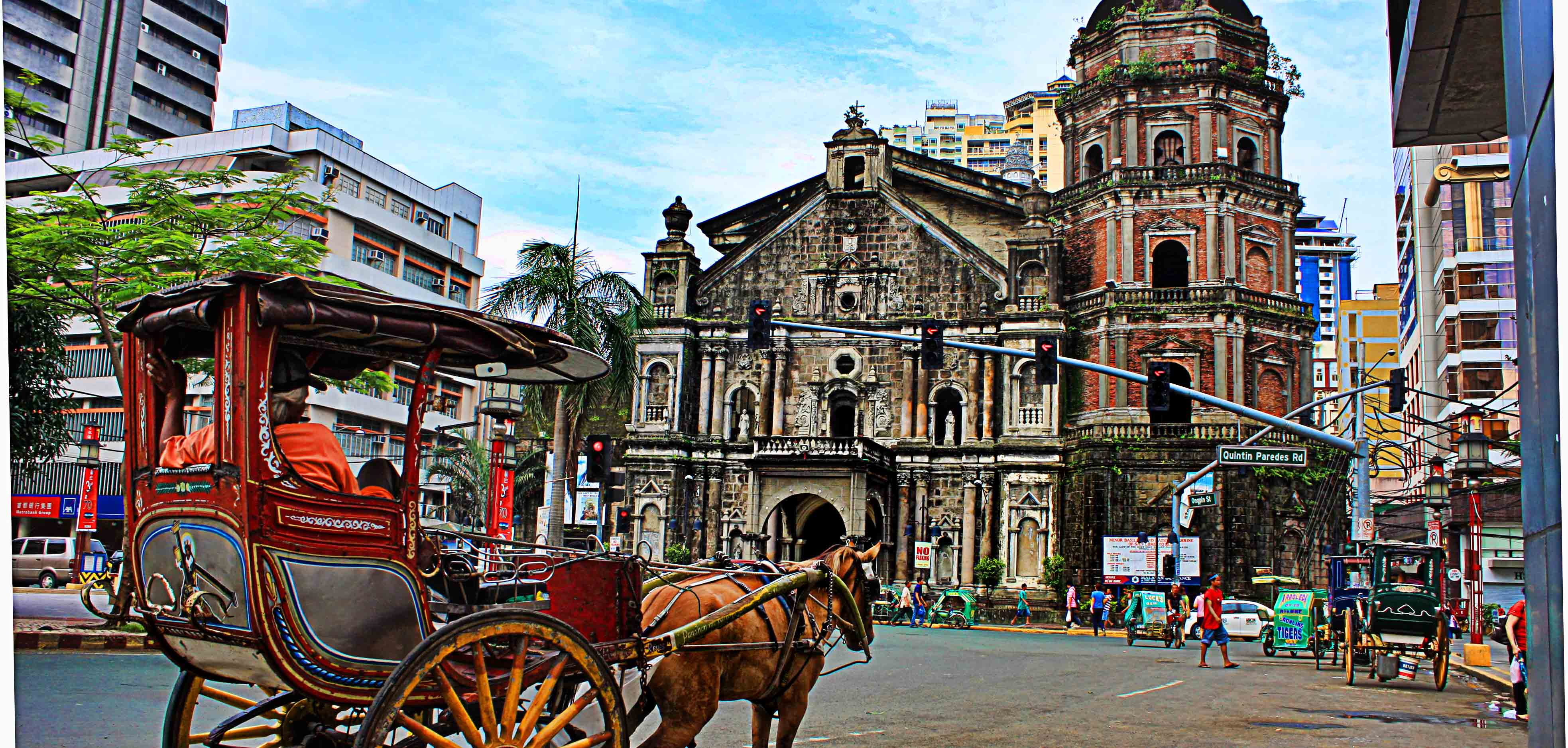 Rizal Park Hotel - Binondo Church